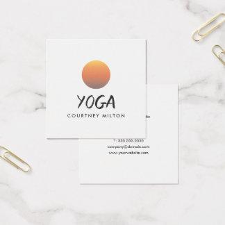 Carte De Visite Carré Instructeur jaune élégant minimaliste de yoga de