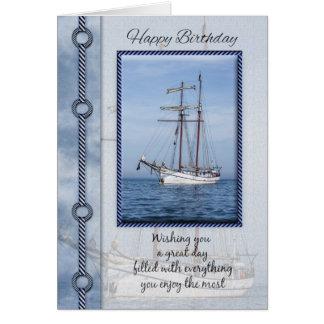 Carte de voeux d'anniversaire de yacht avec le