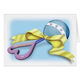 Carte Félicitations bleues et pourpres de hochet de bébé