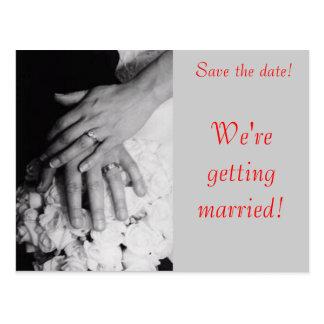 Carte Postale Réservez la date--Mains de mariage