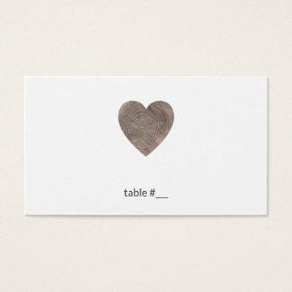 Cartes en bois rustiques d'endroit de coeur -