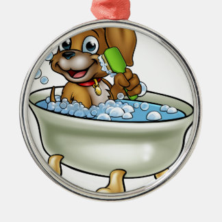 Cartoon-Hund im Bad Silbernes Ornament