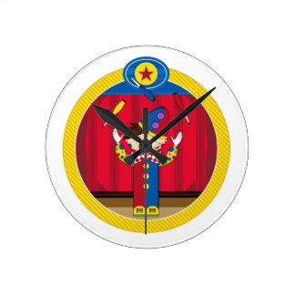 Cartoon-jonglierender Zirkus-Clown Runde Wanduhr