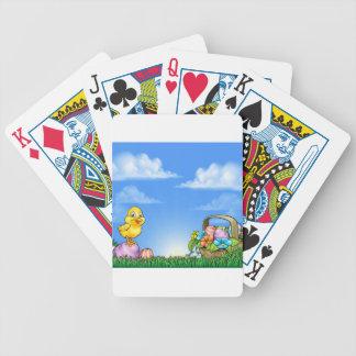 Cartoon-Ostereier und Küken-Hintergrund Spielkarten