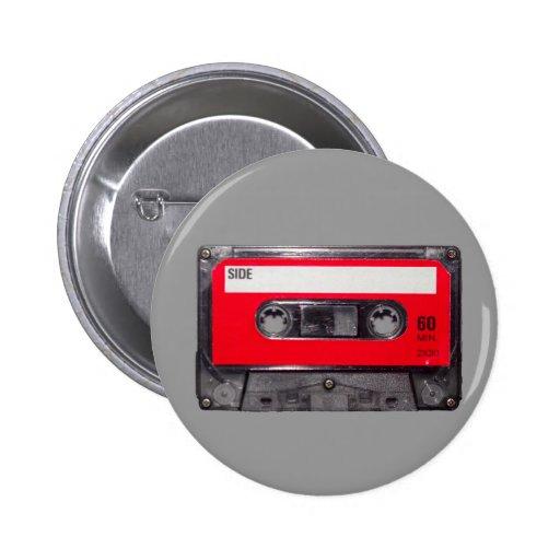 cassette rouge d'étiquette des années 80 badges avec agrafe