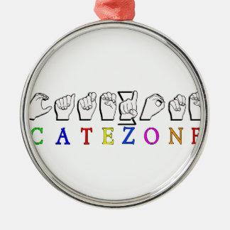 CATEZONE FINGERSPELLED ASL NAMENSzeichen Rundes Silberfarbenes Ornament
