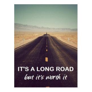 C'est une longue route mais il la vaut carte postale