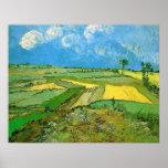 Champs de blé chez Auvers sous des nuages par Van  Poster