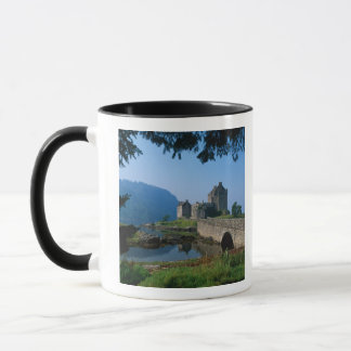 Château d'Eilean Donan, montagnes, Ecosse 2 Mug