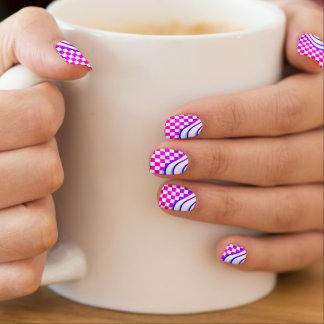 Checkered Kawaii Karo-helle rosa Welle Minx Nagelkunst