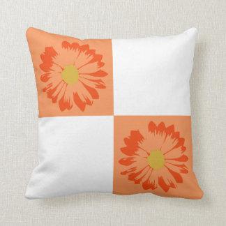 Checkered orange u. weißes Blumen-Kissen Kissen
