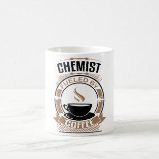 Chemiker getankt durch Kaffee Kaffeetasse