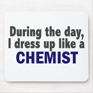Chemiker während des Tages Mauspad