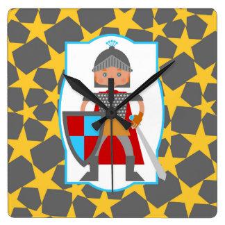 Chevalier médiéval avec du charme horloge carrée