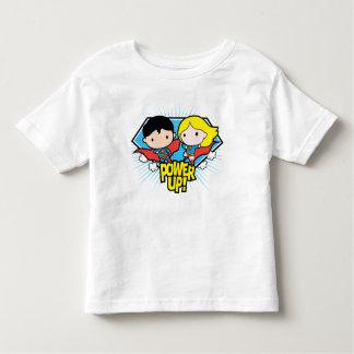 Chibi Supermann u. Chibi Supergirl Power oben! Kleinkind T-shirt