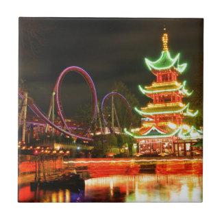 Chinesische Pagode nachts Fliese