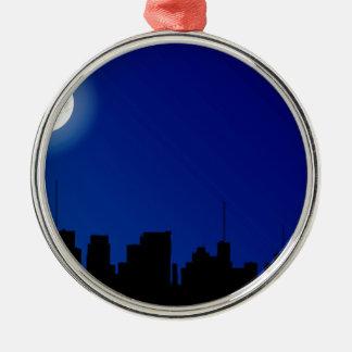 Cityscape-Silhouette Rundes Silberfarbenes Ornament