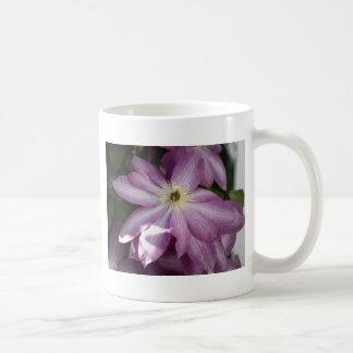 Clematis-Malerei Effekt Kaffeetasse