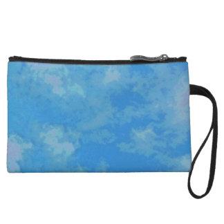 Clutch mit himmelblauem Wolkenmuster