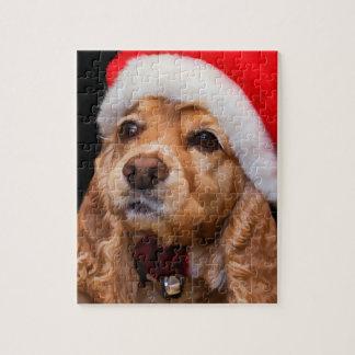 Cockerspaniel-tragende Weihnachtsmannmütze