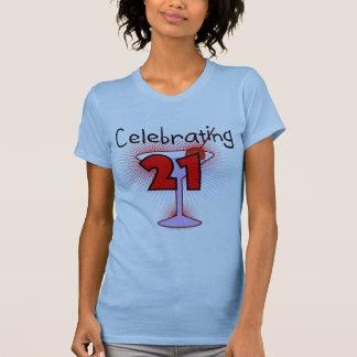 Cocktail, das 21 T-Shirts und Geschenke feiert