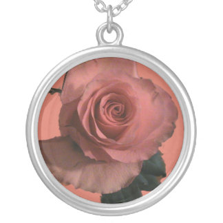 Collier rose d'abricot