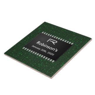 Computer-Chip auf grünem Brett +Addieren Sie Ihre Große Quadratische Fliese
