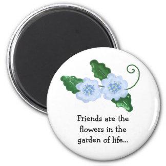 Conception florale avec le message d'amitié magnet rond 8 cm