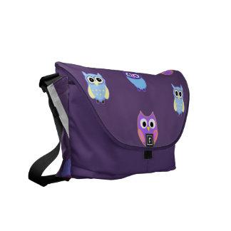 Coole Eulen-Kunst auf lila Bote-Tasche Kurier Tasche