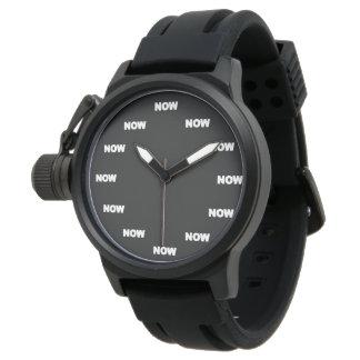 """Cooler Sport """"JETZT"""" (schwarzer Hintergrund) Uhr"""