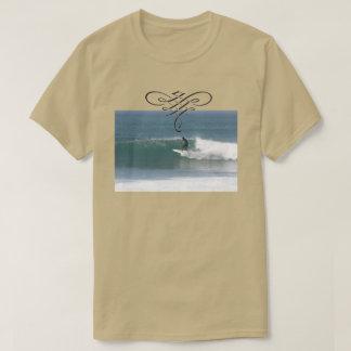 Cooles beige surfendes T-Shirt für Männer