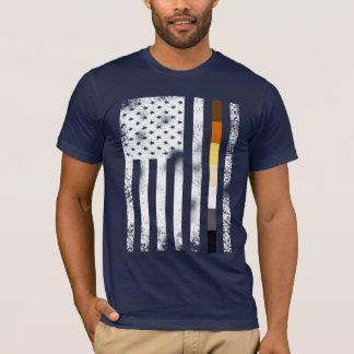 Cooles beunruhigtes Homosexuelles trägt T-Shirt