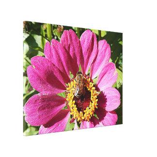 Copie de toile - abeille dans le rose