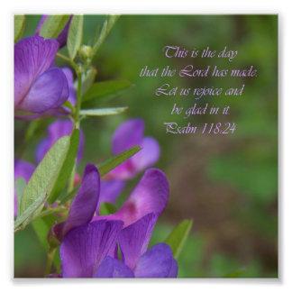 Copie pourpre de photo de vers de bible de 118 24