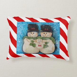 Coussin 2 d'accent de famille de bonhomme de neige