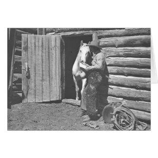 Cowboy, der einen Brief liest Karte