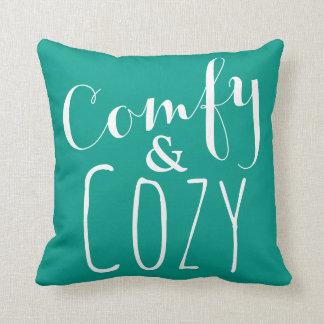 Cozy Wohngestaltung - Throw-Kissen in aquamarinem Kissen