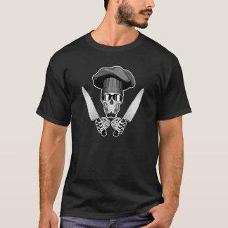 Crâne de chef avec des couteaux de chef t-shirt