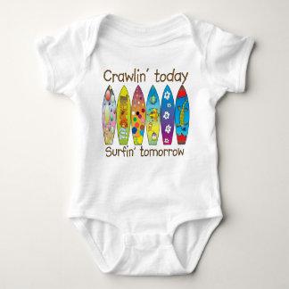 Crawlin heute. .surfin morgen baby strampler