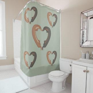 Dackel verfolgt Herz-Liebe-Duschvorhang Duschvorhang