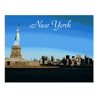 Dame Liberty Watches Over NYC (Kunst-Version) Postkarte