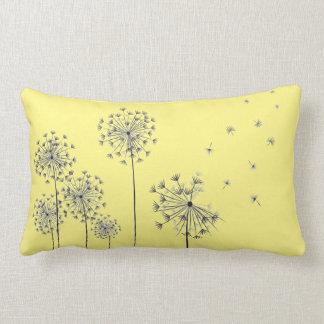 Dandelion flowers lendenkissen
