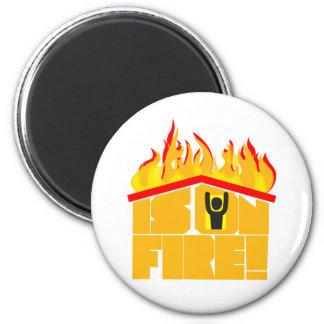 Das Dach ist auf Feuerlogo Runder Magnet 5,7 Cm