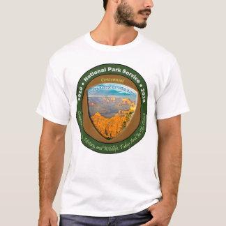 Das grundlegende weiße T-Shirt der