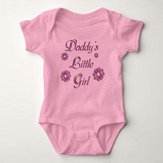 Das kleine Mädchen des Vatis Babybody
