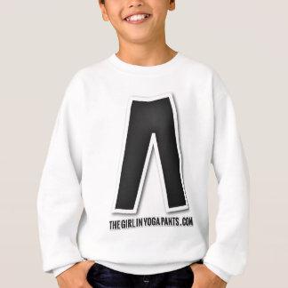 Das Mädchen Yoga-Hosen-im schwarzen Sweatshirt