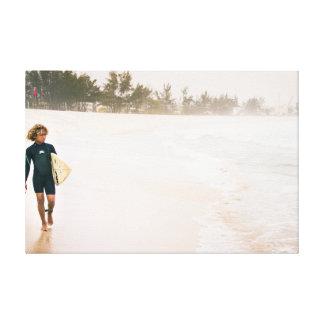 Das Surfer-Kind Leinwanddrucke