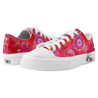 Das Tennis-Schuhe der rosa niedrigen Spitzenfrauen Niedrig-geschnittene Sneaker
