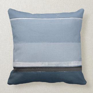 """""""Decken Sie"""" blaue und graue abstrakte Kunst auf Kissen"""