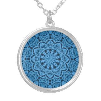 Dekorative blaue Vintage Kaleidoskop-Halsketten Versilberte Kette